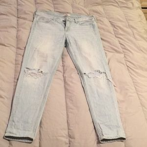 Size 5 reg Hollister light distressed jeans used